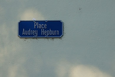 Tolochenaz has a square named after Audrey